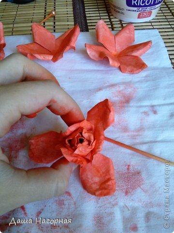 Мастер-класс Поделка изделие Бумагопластика Плетение мк по розам из акварельной бумаги Акварель Бумага газетная Клей фото 32