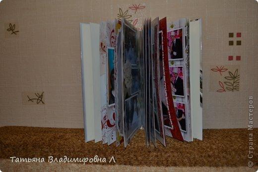 """Мария, как и обещала, выкладываю фотографии своих фотокниг.  Фотографий будет много ))))) Дизайн и обработку фотографий делала сама, в специальных программах. Это первая книга """"Свадебная"""" фото 10"""