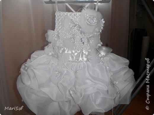 """Всем привет! Пошилось у меня вот такое """"свадебное"""" платье для дочки. Летом поедем на свадьбу моей племянницы. Шила в ручную юбку. А верх немного переделала от старого платья. фото 8"""