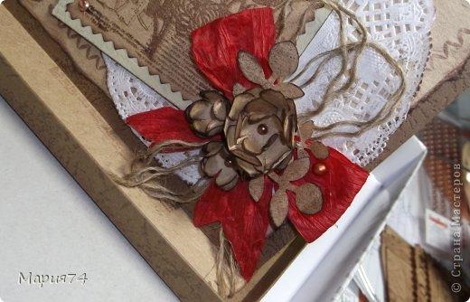 И снова я своими крафт изделиями. На сей раз это женская открытка - для женщины рукодельницы. Открытка в коробке. Правда, уже давно сделала, теперь немного поднакопилось опыта, уже хочется сделать по-другому. Но пока что есть, то есть... фото 3