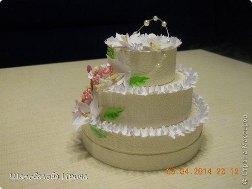 Тортик выполнен по МК Астории.  Цветочки ручной работы.  фото 2