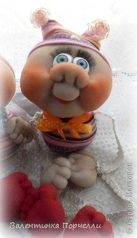 Всем Всем привет!!!Немного отдохнув от 8-ми мартовских заказов я снова с вами!))))Недавно был у меня заказ.Надо было сделать куклу.Каркасную,в фартуке,с поварёжкой,рыжую.Я сказала-легко!А вот делать села и начала чесать репу))))Я их никогда не делала.Просмотрела МК Елены Лаврентьевой раз 5)))Села и....СШИЛА!!!! Итак!Моя первая каркасная кукла. фото 13