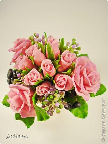 """Да простит меня Катюша,""""срисовала"""" я ее идею черники и роз. Последнее время потянуло меня на всяческие композиции с розами и ягодами. Намаялась я с фотиком,снимая эту работу,в планах было купить ему хорошую замену,но увы...,хотела в этом посте поплакаться на жизнь(накрыло последнее время),но зачем нам печалиться...Более реальный цвет на 3 и 6 фото. Слепила за два вечера,тонировала пастелью. Весны вам!!!!!!! фото 8"""