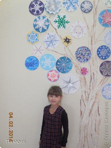 """Такое дерево появилось у нас в школе под вдохновением от участия в арт-проекте """"Волшебный снегопад"""" (https://stranamasterov.ru/node/676650 ).  фото 4"""