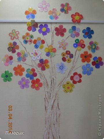 """Такое дерево появилось у нас в школе под вдохновением от участия в арт-проекте """"Волшебный снегопад"""" (https://stranamasterov.ru/node/676650 ).  фото 9"""