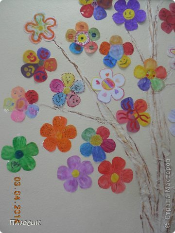 """Такое дерево появилось у нас в школе под вдохновением от участия в арт-проекте """"Волшебный снегопад"""" (https://stranamasterov.ru/node/676650 ).  фото 10"""