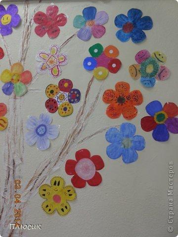 """Такое дерево появилось у нас в школе под вдохновением от участия в арт-проекте """"Волшебный снегопад"""" (https://stranamasterov.ru/node/676650 ).  фото 11"""