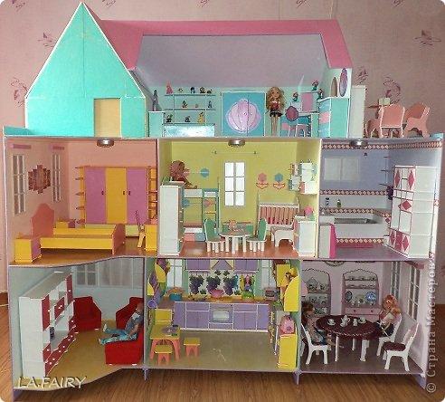Такой кукольный домик сделал наш папа (из фанеры 6 мм.). Это одно из первых фото. фото 7