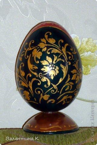 Добрый день. Как и многие готовлю Пасхальные сувениры. Яйца деревянные. По форме такие же как с Троицей Рублёва, то есть со срезом. Только эти чуть поменьше. Высота яйца 12 см, с подставкой 14,5. Мадонны с младенцами. фото 4