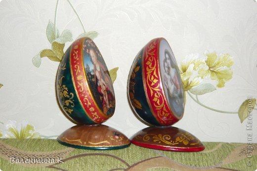 Добрый день. Как и многие готовлю Пасхальные сувениры. Яйца деревянные. По форме такие же как с Троицей Рублёва, то есть со срезом. Только эти чуть поменьше. Высота яйца 12 см, с подставкой 14,5. Мадонны с младенцами. фото 9
