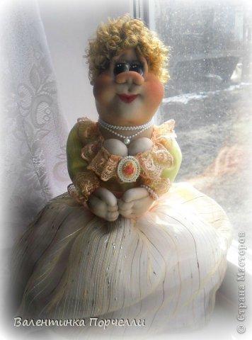 Всем привет!!!Закончила ещё пару кукол-грелок.Как я их в шутку называю-Кукла-заначка)))) фото 19