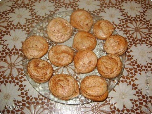 Простое в приготовлении и очень вкусное пирожное с ароматными нотками апельсина,сливочным кремом и цитрусовой карамелью. С приготовление справится даже начинающий кулинар:) фото 9