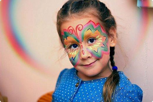Рисовала специальными красками (аквагримом) на водной основе на личиках ребят (на одном городском мероприятии). фото 17