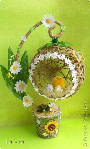 Подготовка к Пасхе в продолжение моих работ: http://stranamasterov.ru/node/752663. Делала заказ, поэтому топиарчики такие похожие. Материал шпагат, искусственные цветы, декоративные элементы. Приятного просмотра))) фото 1