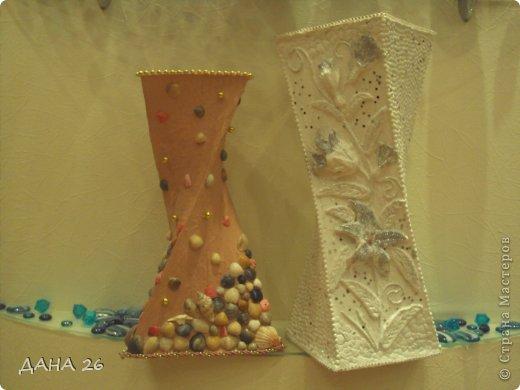 Добрый вечер Всем!Смастерила вот такие вазы .Очень довольна белой вазой.А вот с ракушками получилась совсем не такая, как я представляла.