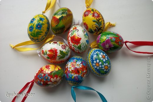 Маленькие деревянные яйца, 4 см. в длину.Роспись: акрил и гуашь.