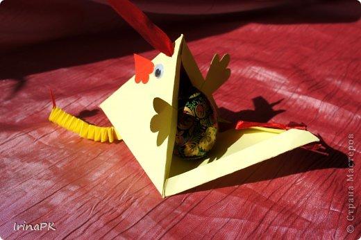 """Придумалась упаковочная коробочка-треугольник """"Курочка"""" для пасхального яйца. фото 5"""
