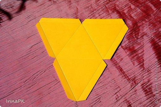 """Придумалась упаковочная коробочка-треугольник """"Курочка"""" для пасхального яйца. фото 6"""
