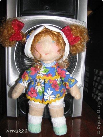 куколка очень маленькая, рост 25 см.