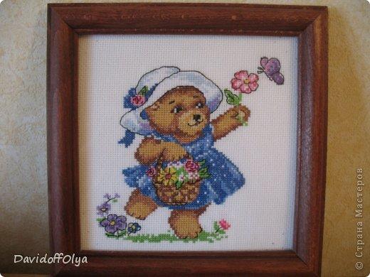 Вот такой милый медвежонок. Делала девочке на день рождения. Рамка деревянная обклеина джинсой. Украшения тут на фото не приклеины. Окончательный результат очень похож просто нету фото))) фото 3