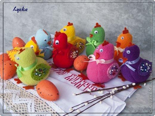 Здравствуйте, дорогие мастерицы! В преддверии Пасхи хочу поделиться мастер-классом по пошиву разноцветных, веселых, пасхальных цыпляток.  фото 18