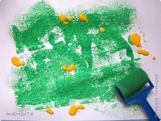 Стрекоза-красавица На лугу летает, Очень ей тут нравится Быть в цветочном рае. В воздухе нектар витает, Ароматом манит, Каждый цветик зазывает, Стрекозу дурманит.  Стихи Светланы Александровны Антонюк  фото 4