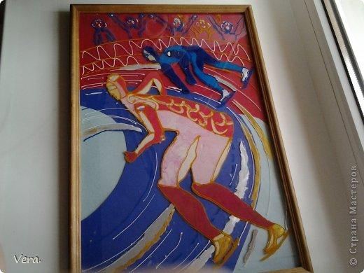 Делала в худ. Школе, на олимпиду в Сочи. Картина выполнена  так: были сделаны эскизы, отобраны лучшие, лист с эскизом был закреплен на стекле и обведен контурами. А дальше в ход пошел пластилин. фото 4