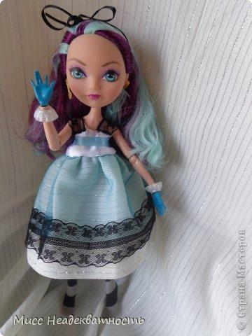 Новое платье для Мэди. Если честно,шить для неё сложно, не в техническом плане. Нужна фантазия. Такой как она, нужно что-то феерическое, сказочное,легкое,воздушное и всё же повседневное, причём в её стиле. Поскольку она дочь безумного шляпника,она обажает чай и шляпки.       Так или иначе этот наряд устроил нас обоих.Конечно не хватает чайной или шляпной тематики...Но довольно об этом.Просто смотрите    <3 фото 8