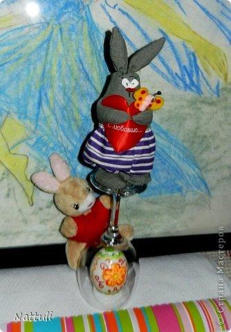 Милые мастерицы!!! Мы поздравляем вас с Пасхой!!!( Спасибо Корнеевой Ольге (Olich ) за чудесный МК с пасхальными кролями) Некоторые мои девочки успели сшить к празднику. Сфотографировать успела только одного (зарядка не вовремя закончилась )  фото 8