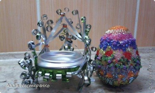 Кресло из жестяной баночки,а яйцо из бумаги.Украшение,бисер.Спасибо девочкам за М.К. Кресло по м.к.Vesveanual/Светочка спасибо за м.к.\ фото 1
