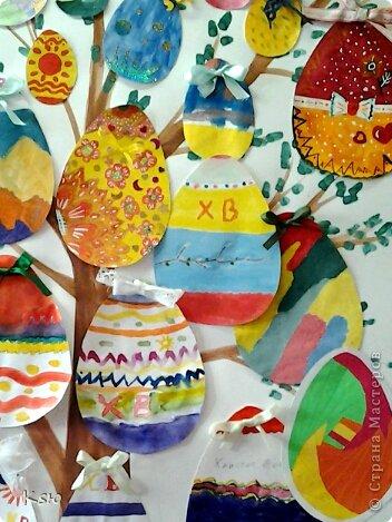 """Эти работы были представлены на конкурсе """"Пасхальная радость"""". Пасхальное дерево. Коллективная работа пятиклассников. Размер - А1. фото 2"""