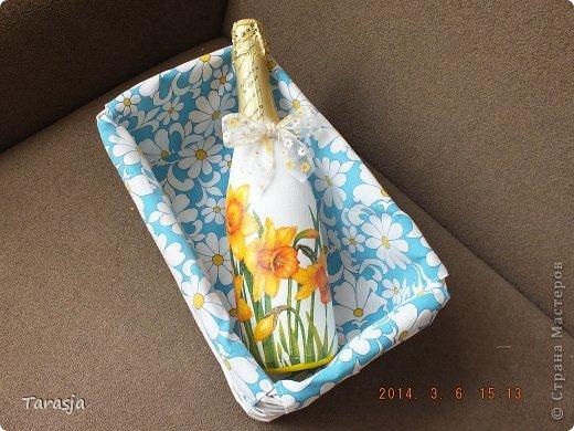 Моя первая бутылочка в подарок на Новый год. Подрисовки на ней помогал делать малыш, который активно пинал бутылку из животика, стоило мне ее туда прислонить)))) фото 10