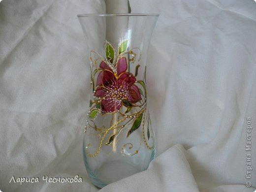 getimage_7_2 Вазы из стеклянных бутылок: декор, роспись и обрезка