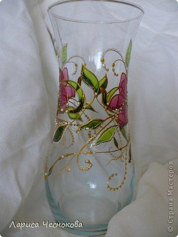 getimage_8_2 Вазы из стеклянных бутылок: декор, роспись и обрезка