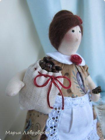 Уж очень мне понравилось шить этих замечательных куколок. И, как мне кажется, что это не последние мои Хозяюшки.  А первых можно посмотреть  здесь - https://stranamasterov.ru/node/711888 фото 6