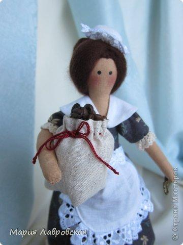 Уж очень мне понравилось шить этих замечательных куколок. И, как мне кажется, что это не последние мои Хозяюшки.  А первых можно посмотреть  здесь - https://stranamasterov.ru/node/711888 фото 8