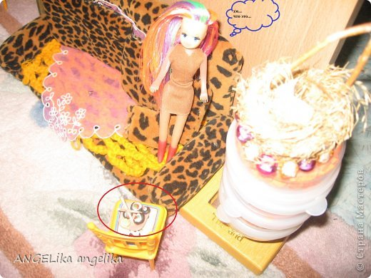 """привет!!! сегодня мы узнаем,что может случиться , если к вам приедет сестра... от лица кукол. Ева(Е), Джесика(Д), Мартин(М). Е: да где же эта бумажка с номером? Д(думает):"""" да какая бумажка с номером! сейчас только 6 утра! орёт на весь дом!!!  фото 16"""