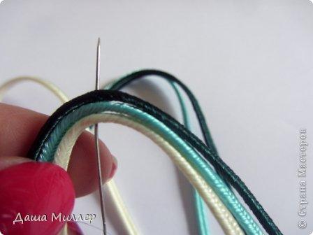 Для сережек нам понадобится: Сутаж. Я взяла трех цветов. нежно- бежевый, небесно-голубой и темно- зеленый.  На фото по 2метра, но метра вам хватит на пару сережек это точно. фото 7