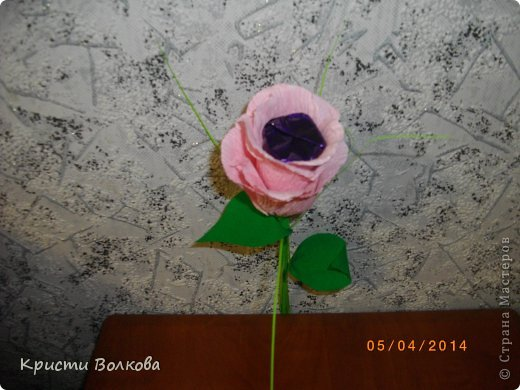 Сумочку сделала из упаковки из под детского питания... Презентовалась вместе с небольшими сувенирчиками внутри, к дополнению к сумочке сделала розу с конфеткой внутри. фото 6