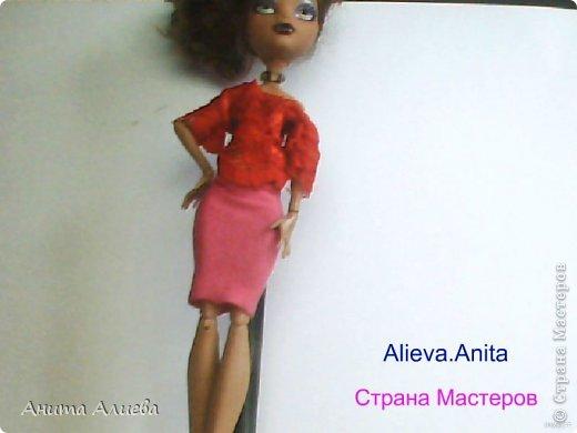 Привет! В моём первом блоге хочу показать то что шью на своих кукол. Первое это платье с маленькой майкой для Дракулауры. фото 7