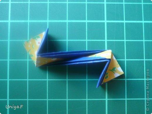 Большой привет!  Хочу похвастаться: получилась хорошая по всем параметрам моделька.  Экономичный расход бумаги, модули немелкие, сборка простая и очень прочная, в итоге получается некрупная. Можно сказать, конструктор немецкого качества. Потому и имя ей Гретель.   Name: Gretel Designer: Uniya Filonova   Units: 30  Paper: 5 x 7,5 cm ( ratio 2:3 )  Final diameter: ~ 8,5 cm  Joint: no glue  модель принимала участие во флешмобе https://stranamasterov.ru/node/769691  фото 25
