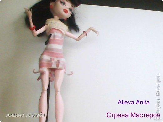 Привет! В моём первом блоге хочу показать то что шью на своих кукол. Первое это платье с маленькой майкой для Дракулауры. фото 1