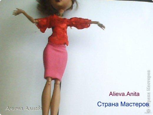 Привет! В моём первом блоге хочу показать то что шью на своих кукол. Первое это платье с маленькой майкой для Дракулауры. фото 8