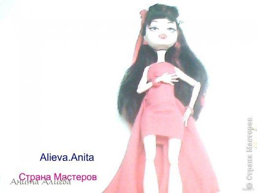 Привет! В моём первом блоге хочу показать то что шью на своих кукол. Первое это платье с маленькой майкой для Дракулауры. фото 9