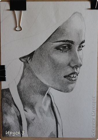 девушку нарисовал Максим карандашом с фотографии  фото 7