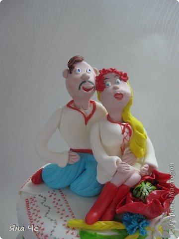 Свадебный тортик украинский. Во какой вышел. С пылу жару. Прошлой ночью вот лепила... фото 2