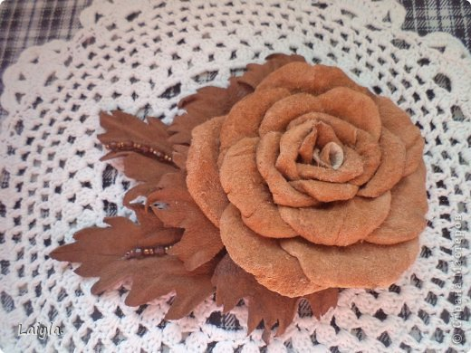 Здравствуйте дорогие друзья!!!Пришла весна,всё вокруг цветёт и пахнет и в моём творческом саду расцвели прекрасные цветочки.Правда не пахнут , но глаз радуют.... фото 37