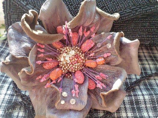 Здравствуйте дорогие друзья!!!Пришла весна,всё вокруг цветёт и пахнет и в моём творческом саду расцвели прекрасные цветочки.Правда не пахнут , но глаз радуют.... фото 2