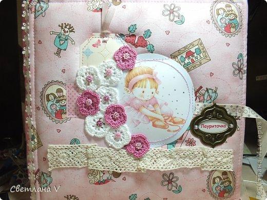 Альбом для маленькой девочки - первый год, переплет Виноградовой, обложка хлопок с синтепоном. Очень много фетра и кружева))
