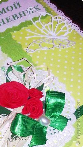 Делала дневнички для девочек: племянницы и ее подружки. Оформляла обложку, начинка внутри готовая. К сожалению, нет фотографии блокнота целиком. Первый-в зеленом цвете.  фото 1